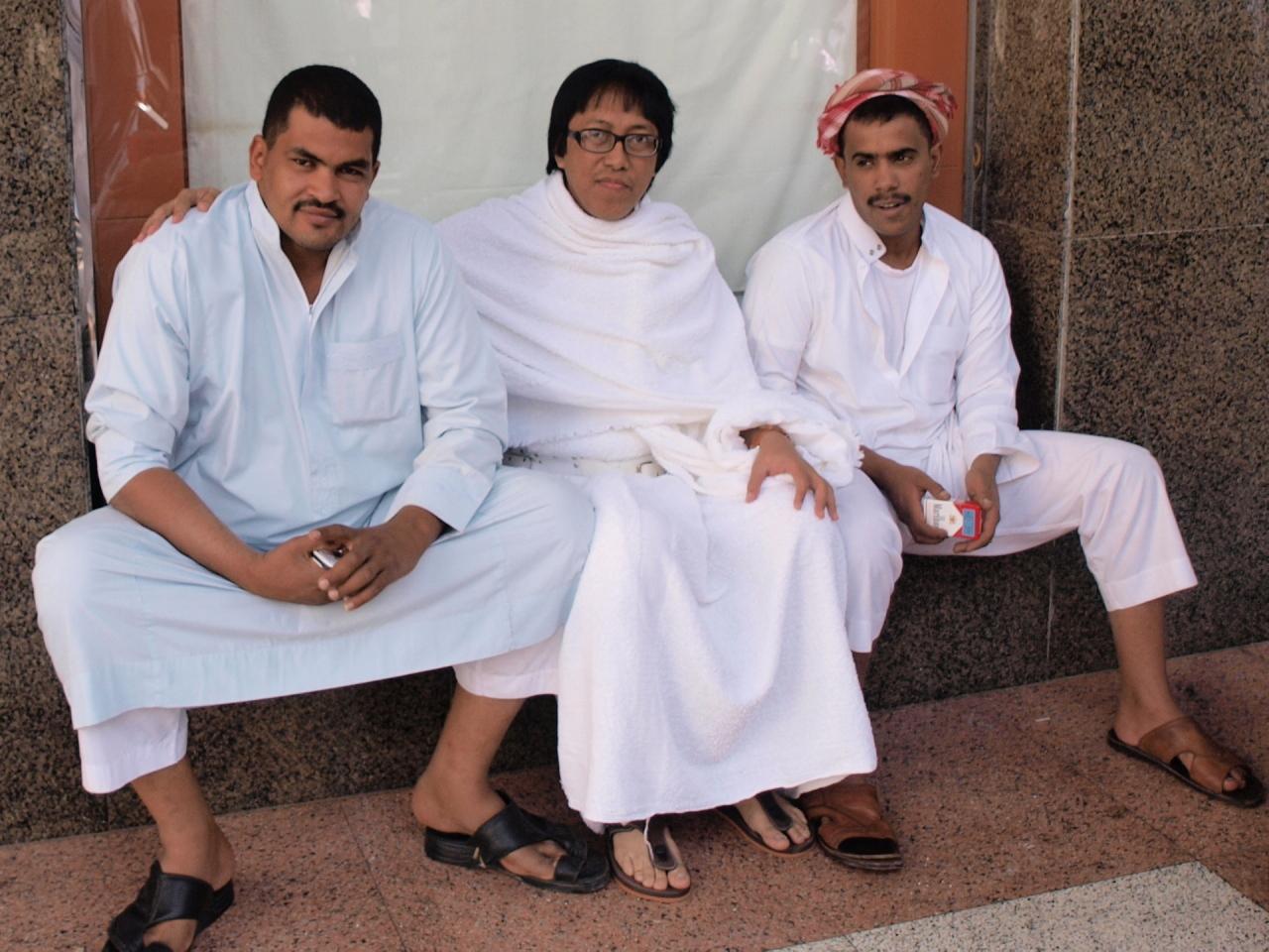 pictures gambar kontol arab Cara Duduk Arab Seperti Inilah